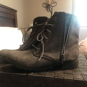 Mia Girls Gray Suede Combat Boots